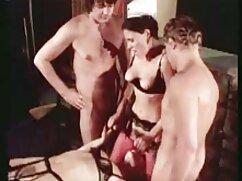 یک مرد در ارسال پیچ و تاب دانلود فیلم پورن با کیفیت بالا و لباس زیر زنانه کامل