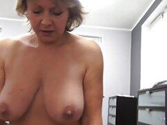 بیب در جوراب ساق بلند می رود دانلود فیلم سکسی خارجی باکیفیت در اطراف اتاق به موسیقی و فشار شیر بزرگ