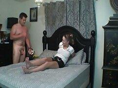 سیاه و سفید زن مو فرفری می دهد کار ضربه و سیاه دانلود فیلم سکسی با کیفیت 4k و سفید.
