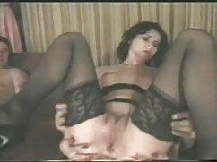 رئیس دانلود فیلم سکسی با کیفیت با لینک مستقیم گمراه یک مرد جوان.