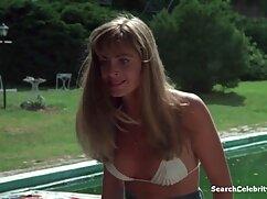 برهنه در جنگل. دانلود فیلم سکسی با کیفیت hd
