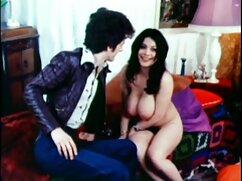 یک دختر جوان در یک دانلود فیلم سکسی با کیفیت با لینک مستقیم کت پیچ و درگیر به مهبل (واژن) در صبح