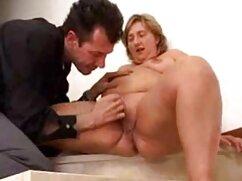 او در حال حرکات تند و سکس با کیفیت فول اچ دی سریع دست و دست دوست پسر او را